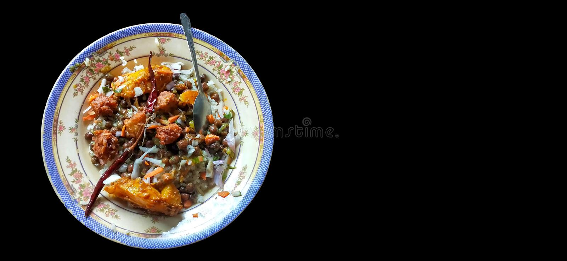 Comida tradicional no campo de bangladesh em fundo negro fotos de stock royalty free