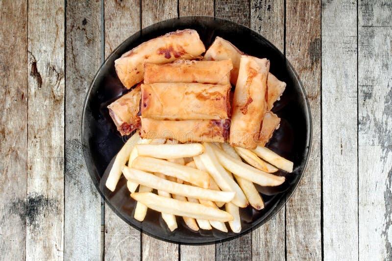 Comida vegetal china del festival como el rollo de primavera y franco fritos imagenes de archivo