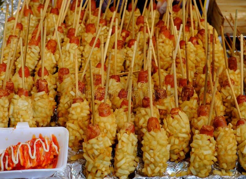 Comida vietnamita de la calle, calamar curruscante foto de archivo libre de regalías