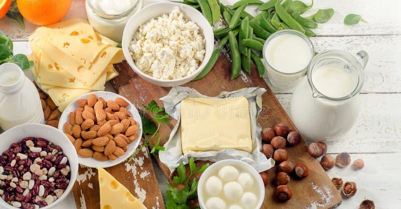 Comidas ricas en calcio Alimento de la dieta sana foto de archivo