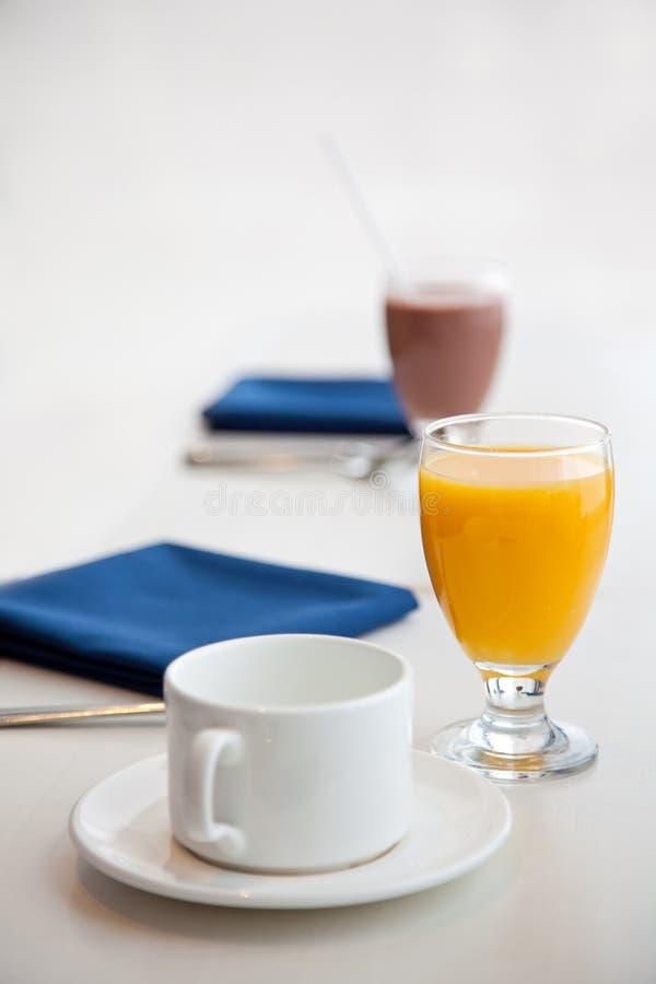 Comienzo de un desayuno sano foto de archivo