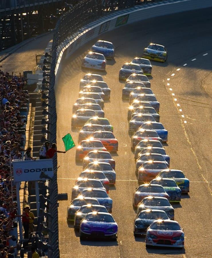 Comienzo de una raza de NASCAR imagen de archivo libre de regalías
