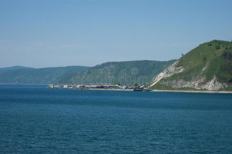 Comienzo del río de Angara en el lago Baikal fotos de archivo libres de regalías