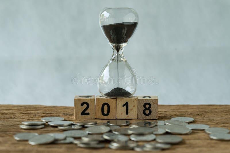 Comienzo 2018 del tiempo del negocio del año o concepto de la inversión a largo plazo como imagen de archivo
