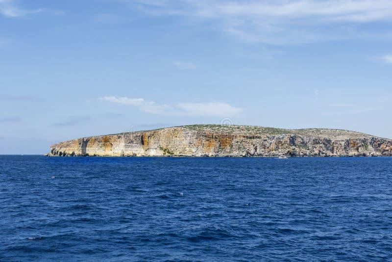 Comino è un'isola dell'arcipelago maltese fotografia stock