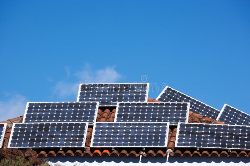 Download Comitati solari fotografia stock. Immagine di serra, cellula - 7307800