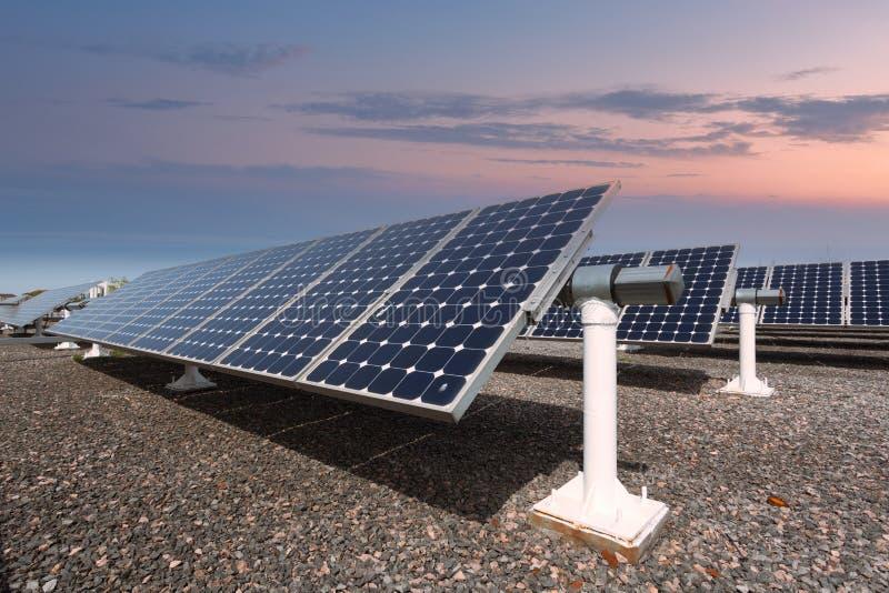 Comitati solari di nuova energia fotografia stock libera da diritti