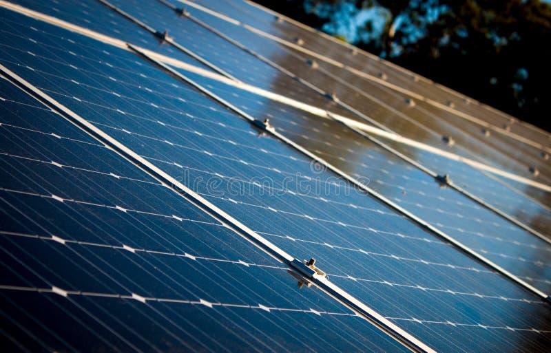 Comitati solari su un tetto