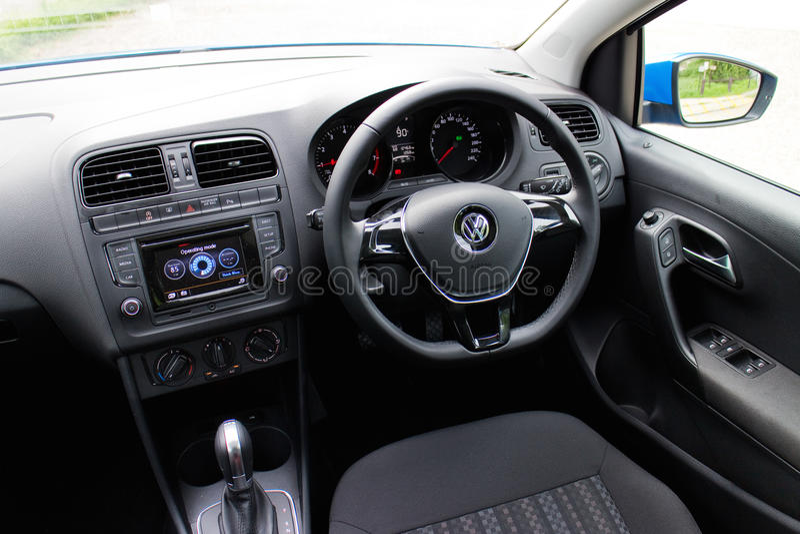 Commande d'essai de Volkswagen Polo TSI 2014 photographie stock