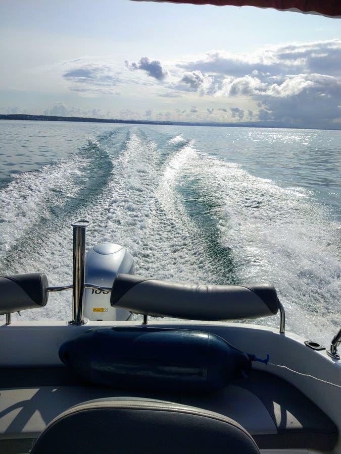 Commande de Motorboot au sommer 2017 de Bodensee photo libre de droits
