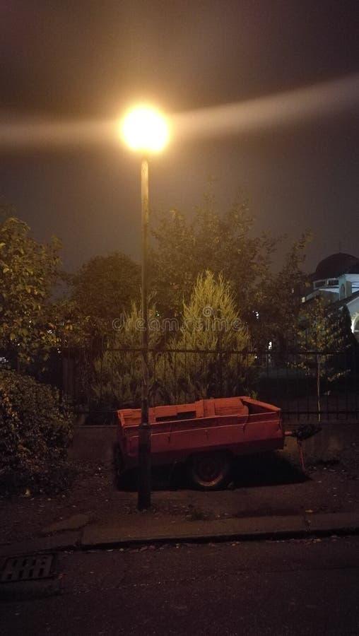 Comme pour prendre des photos de nuit images libres de droits