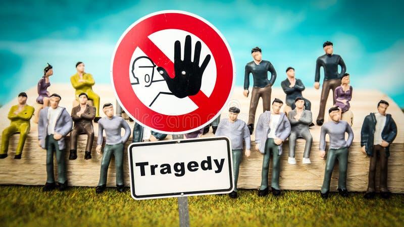 Commedia del segnale stradale contro la tragedia immagini stock