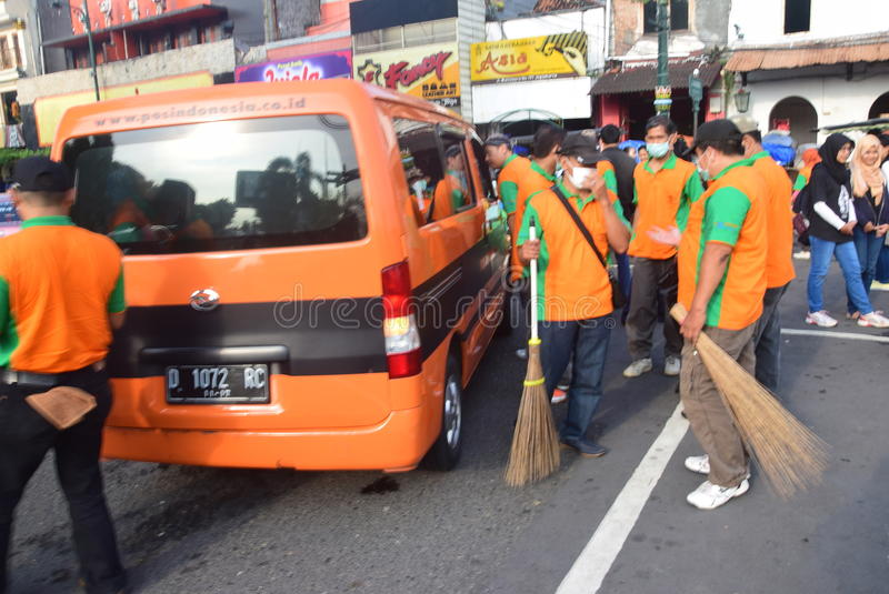 Commemorate the national trash. Hundreds of employees and volunteers to clean up the area malioboro Yogyakarta, 21 February, 2016. about 1500 people from various stock photos
