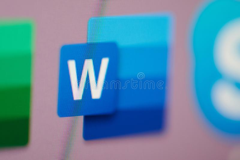 Commencer le mot de Microsoft Office sur l'ordinateur image libre de droits