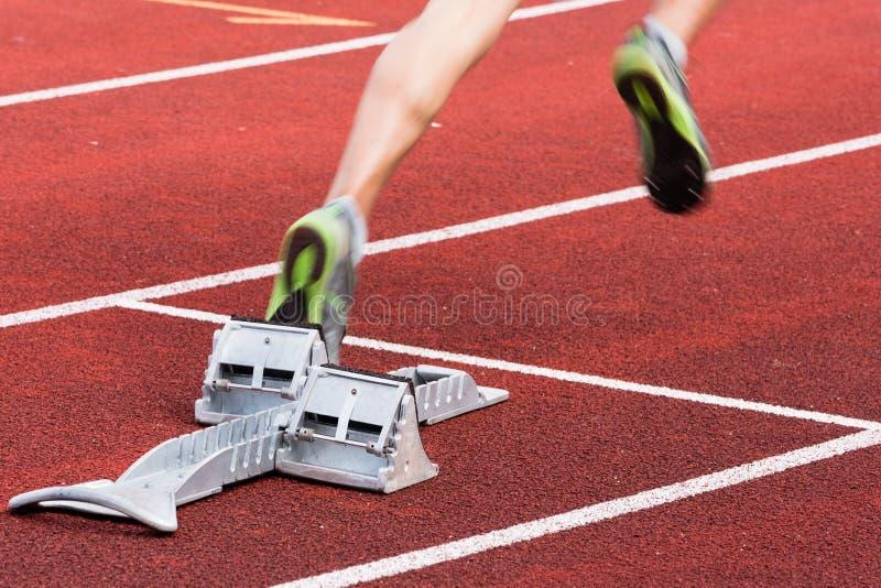 Commencez dans l'athlétisme image libre de droits