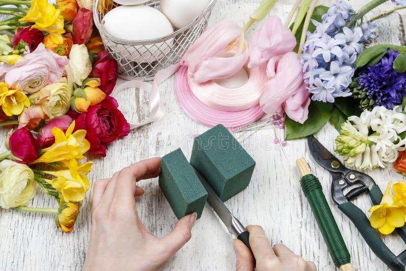 comment faire le bouquet de ressort des fleurs dans le tutoria de