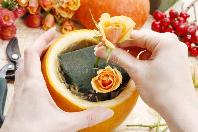 Comment faire une pièce maîtresse de thanksgiving - point par point images libres de droits