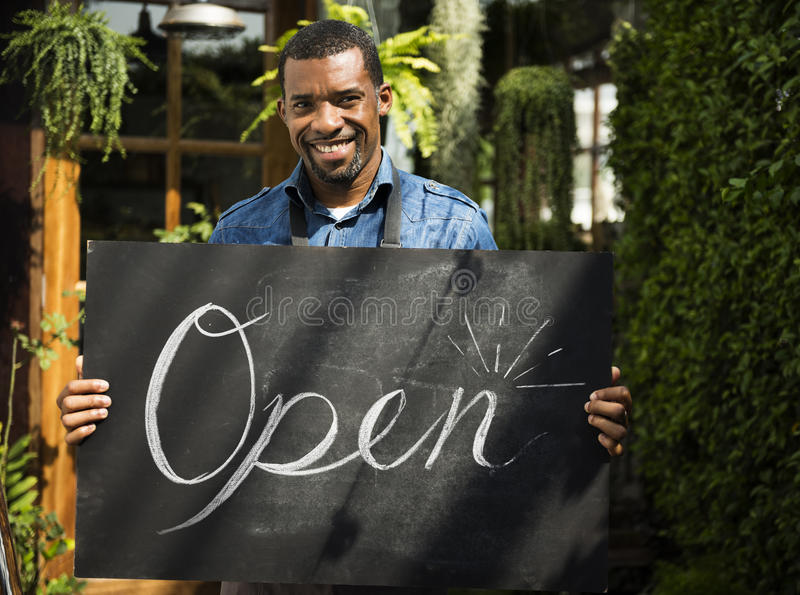 Commerce ouvert d'affaires de vente de magasin de magasin de détail photographie stock libre de droits