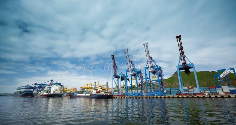 Commerciële haven vladivostok royalty-vrije stock foto's