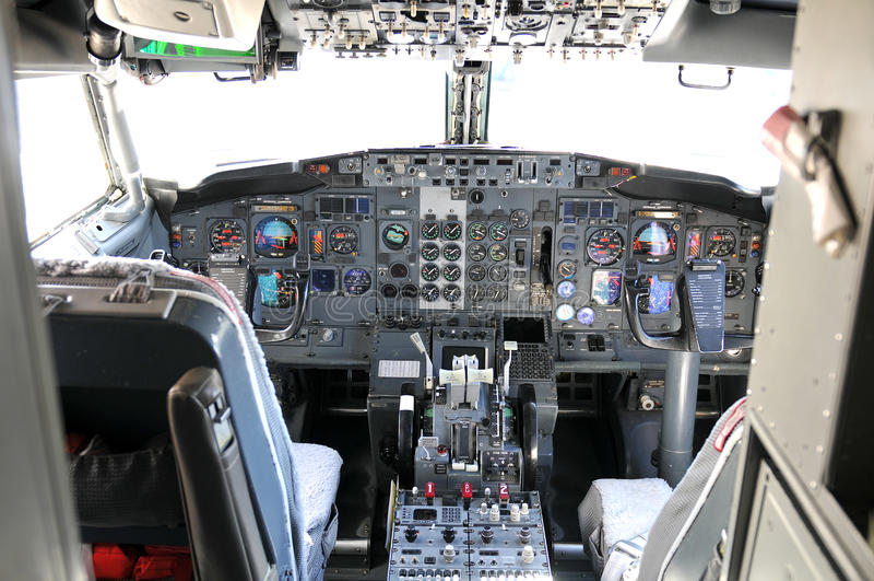 Commerciële luchtvaartlijncockpit royalty-vrije stock fotografie