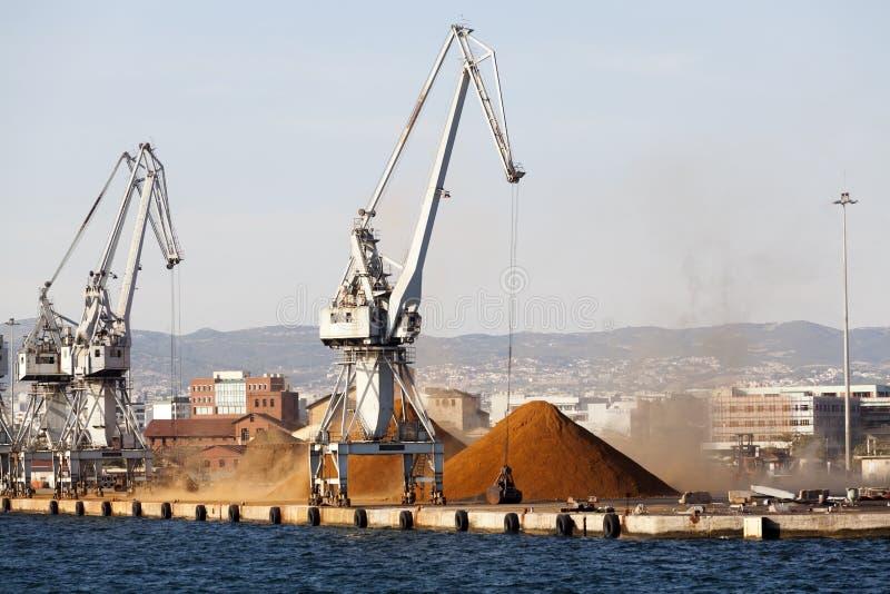 Commerciële sectie van de haven van Thessaloni royalty-vrije stock afbeeldingen