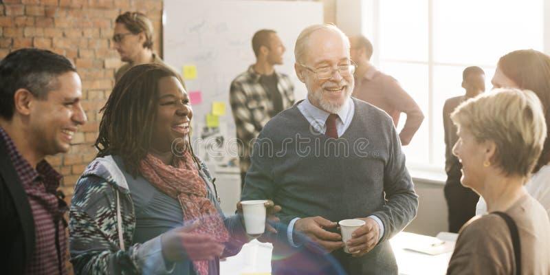 Commerciële teamvergadering het Werk het Spreken Concept