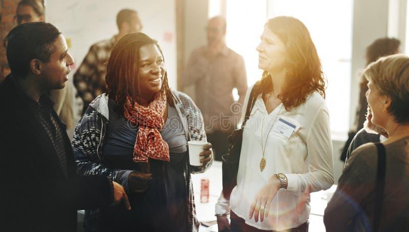Commerciële teamvergadering het Werk het Spreken Concept stock afbeelding