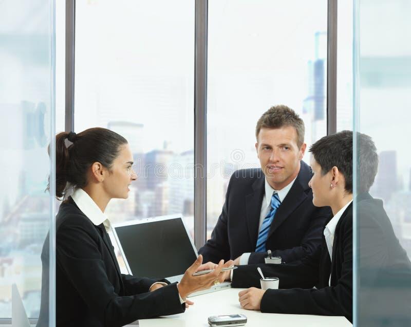 Commerciële vergadering stock afbeeldingen