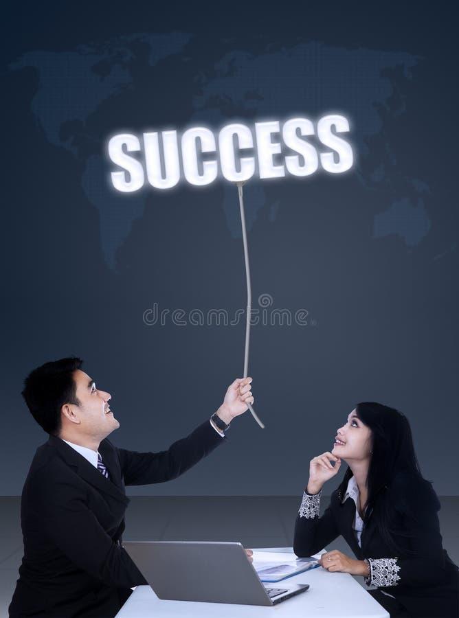 Commerciële vergadering om succes te krijgen stock fotografie