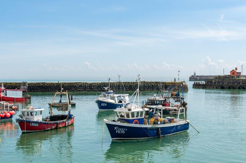 Commerciële visserijtreilers bij Folkestone-Haven stock fotografie
