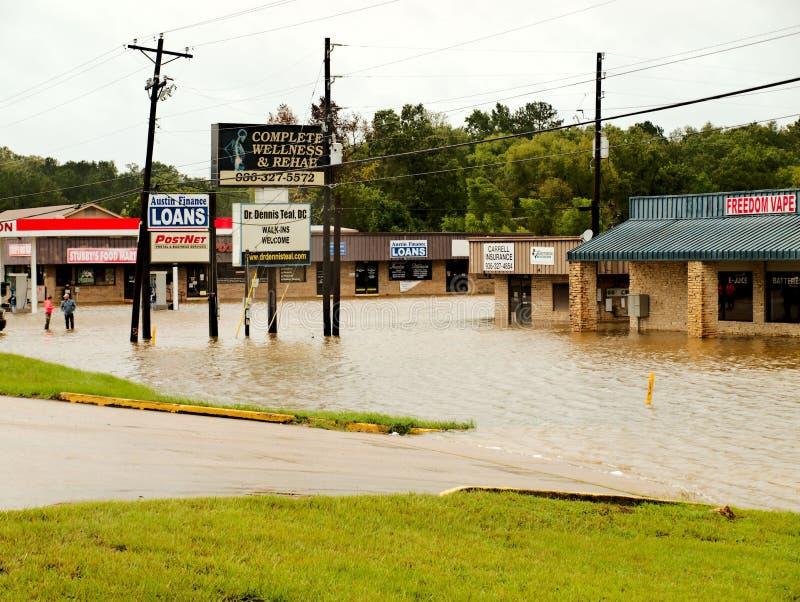 Commerci locali subacquei durante l'uragano Harvey Flooding immagini stock libere da diritti