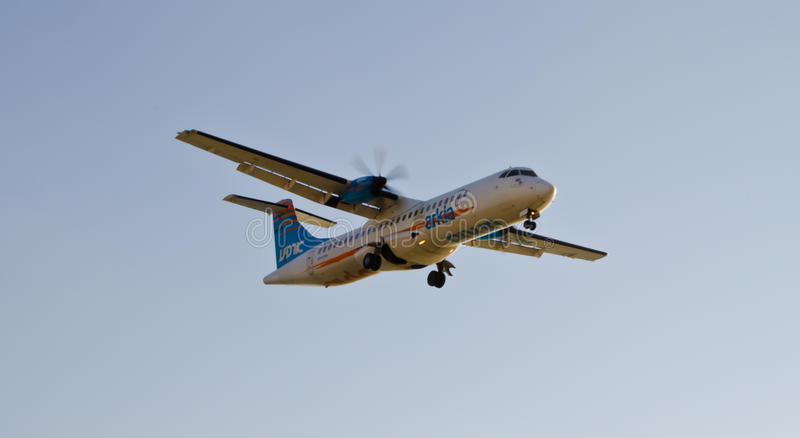 Download Commercial Airliner In Flight Editorial Image - Image: 32089965