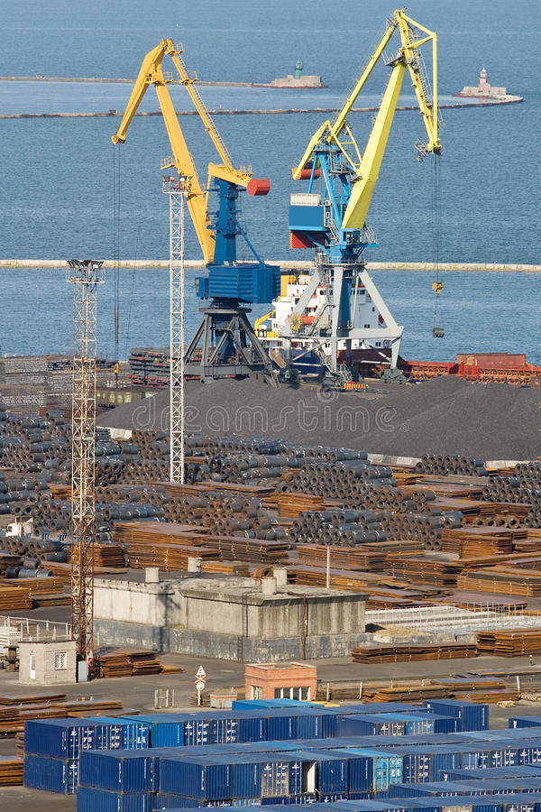 Free Commercial Dock With Huge Cranes And Metal Storage Royalty Free Stock Images - 14314939