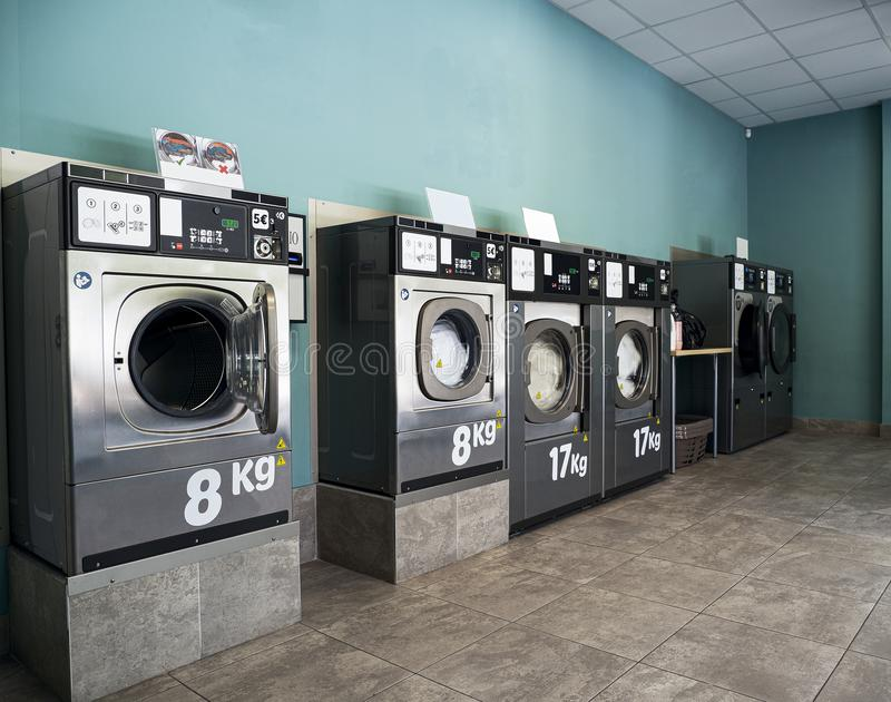 Commercial Laundry Stock Images - Download 1,643 Royalty