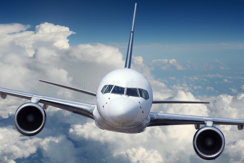Commercieel Lijnvliegtuig tijdens vlucht stock foto's