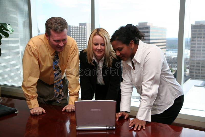Commercieel Team in Bureau stock foto