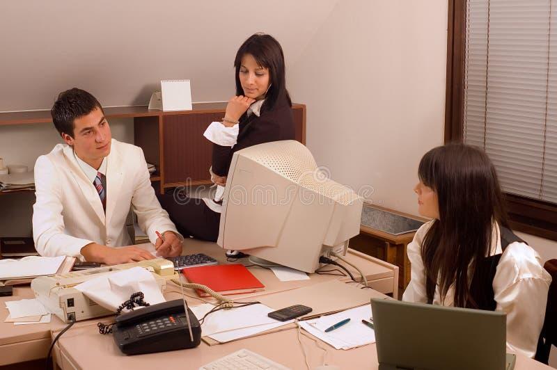 Commercieel team op kantoor stock afbeeldingen