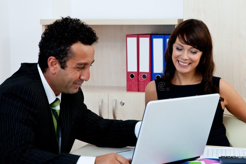 Commercieel team op kantoor royalty-vrije stock foto