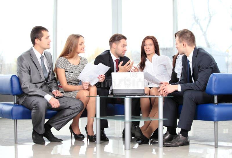 Commercieel team in vergadering royalty-vrije stock afbeelding