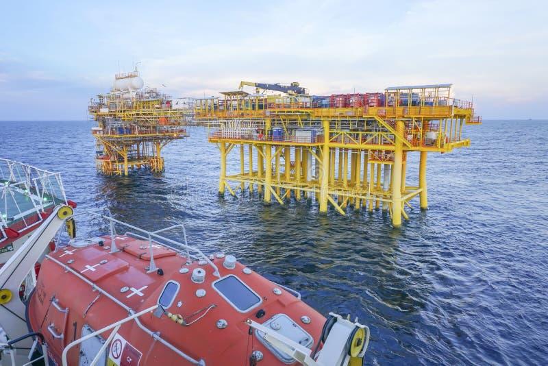 Commercieel vervoer in olie en gas de industrie stock afbeeldingen