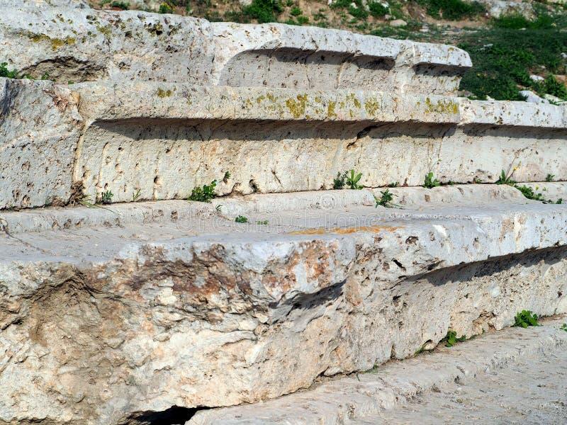 Commonersplaatsing, Theater van Dionysus, Athene, Griekenland stock afbeelding