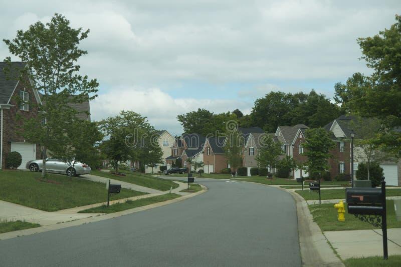 Communautaire Buurt van Huizen in Voorsteden stock afbeeldingen