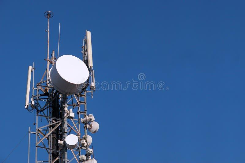 Communicatie Schotel en Antenne royalty-vrije stock foto's