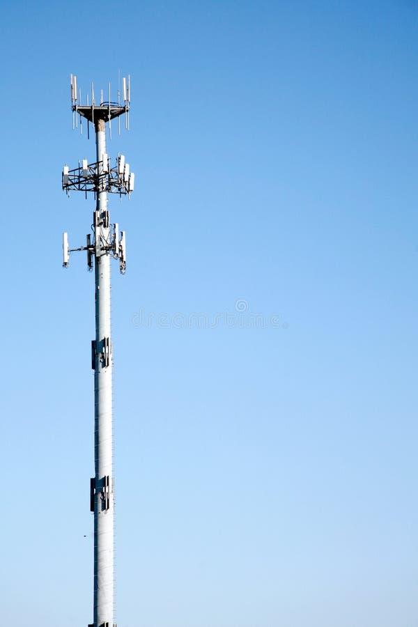Communicatie van de microgolf Toren royalty-vrije stock afbeeldingen