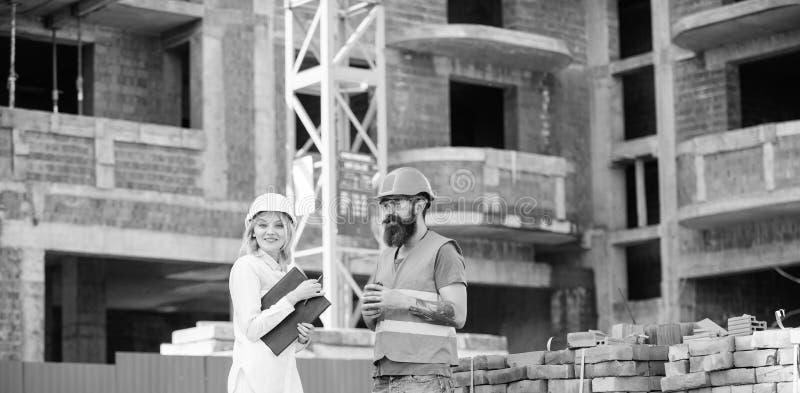 Communicatie van het bouwteam concept Verband tussen van bouwcli?nten en deelnemers bouwnijverheid stock afbeelding