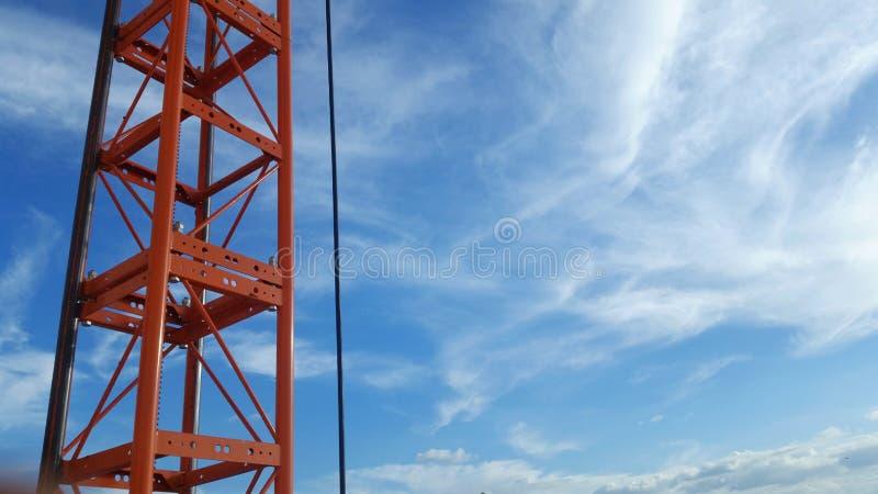 Communication rouge de poteau de téléphone photographie stock libre de droits