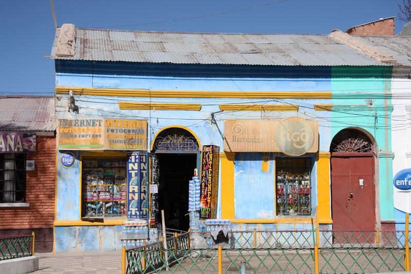 Communications d'Internet dans Uyuni, Bolivie images stock