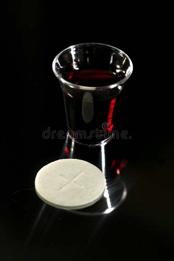 Free Communion Cup With Wine And Wafer Royalty Free Stock Photos - 79752578