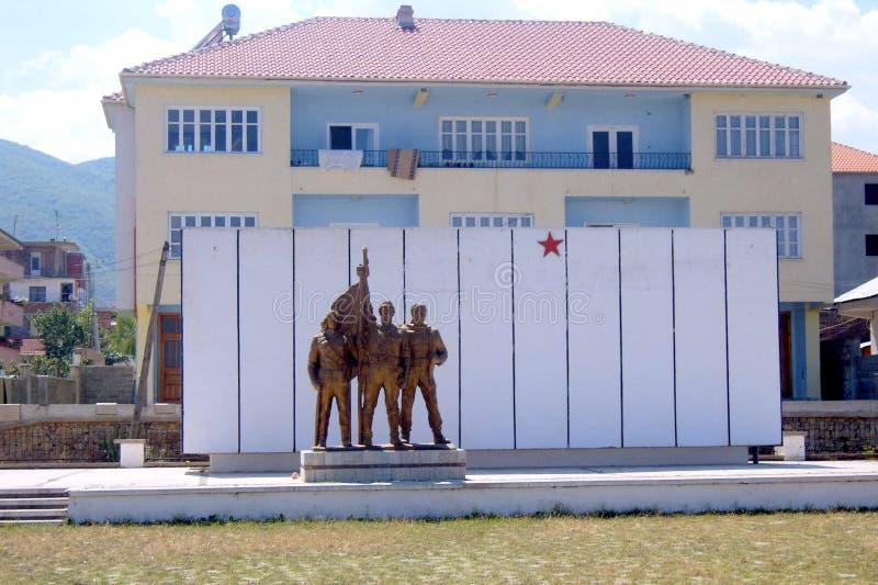 Communistisch monument in Elbasan stock foto's