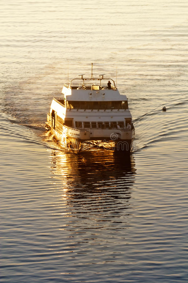 Free Commuter Ferry Stock Photos - 19870193